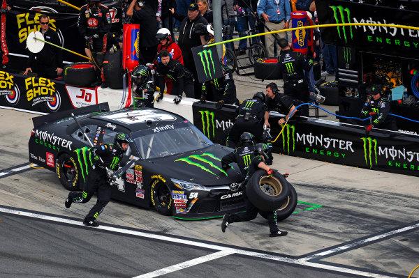 20-21 February, 2015, Daytona Beach, Florida USA Kyle Busch, Monster Energy Toyota Camry makes a pit stop. ?2015, F. Peirce Williams LAT Photo USA