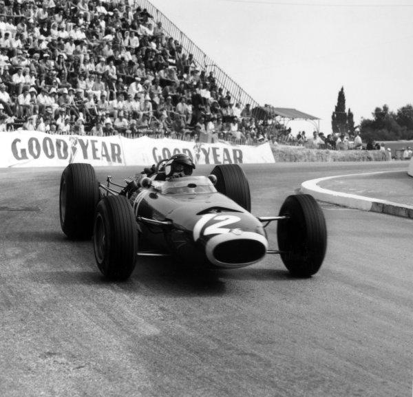 1966 Monaco Grand Prix.Monte Carlo, Monaco. 22 May 1966.Jackie Stewart, BRM P261, 1st position, action.World Copyright: LAT PhotographicRef: 34099