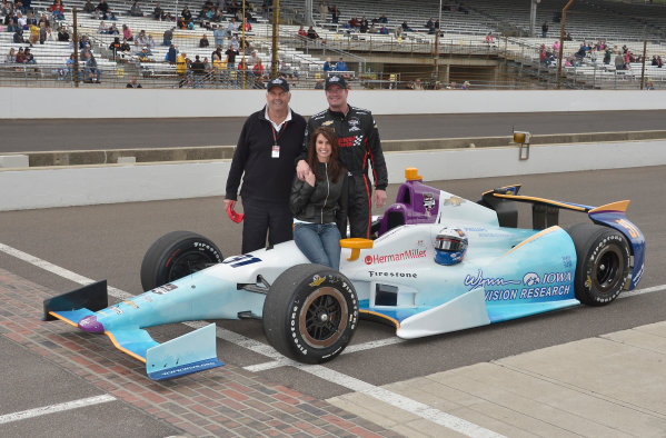 17-18 May, 2014, Indianapolis, Indiana, USA #91 Buddy Lazier, Lazier Partners Racing with wife and dad, Bob ©2014 Dan R. Boyd LAT Photo USA