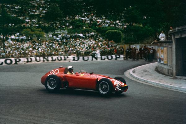 Monte Carlo, Monaco. 10-13 May 1956. Eugenio Castellotti (Lancia-Ferrari D50) 4th position, shared with Juan Manuel Fangio. Ref-56 MON 08. World Copyright - LAT Photographic