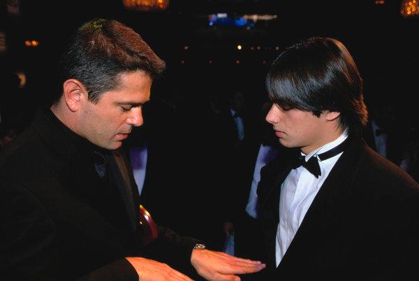 2003 Autosport AwardsGrosvenor Hotel, London, EnglandNelson Piquet Jr talks to Gil de Ferran. Portrait.World Copyright: Gold/LATref: 35mm Transparency (30mb scan)