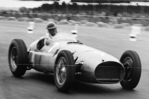 1951 British Grand Prix.Silverstone, Great Britain. 14 July 1951.Peter Walker (BRM P15), 7th position. Ref-51/37 #34).World Copyright - LAT Photographic