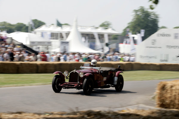2005 Goodwood Festival of SpeedGoodwood Estate, West Sussex. 24th - 26th June Alfa Romeo 8C 2300 Le Mans. Action World Copyright: Gary Hawkins/LAT Photographicref: Digital Image Only