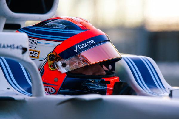 Yas Marina Circuit, Abu Dhabi, United Arab Emirates. Wednesday 29 November 2017. Robert Kubica, Williams Martini Racing.  World Copyright: Joe Portlock/LAT Images  ref: Digital Image _L5R0948