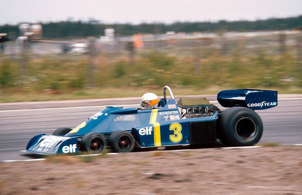 1976 Swedish Grand Prix.Anderstorp, Sweden.11-13 June 1976.Jody Scheckter (Tyrrell P34 Ford) 1st position. The cars only Grand Prix win.Ref-76 SWE 05.World Copyright - LAT Photographic