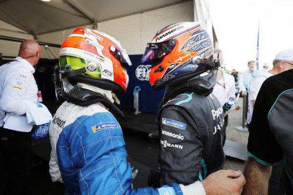 Antonio Felix da Costa (PRT), BMW I Andretti Motorsports, BMW iFE.18, celebrates with Mitch Evans (NZL), Panasonic Jaguar Racing, Jaguar I-Type 3