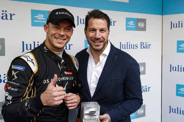 Andre Lotterer (DEU), DS TECHEETAH, with Marco Parroni, Head of Global Sponsoring and Managing Director SA Julius Baer