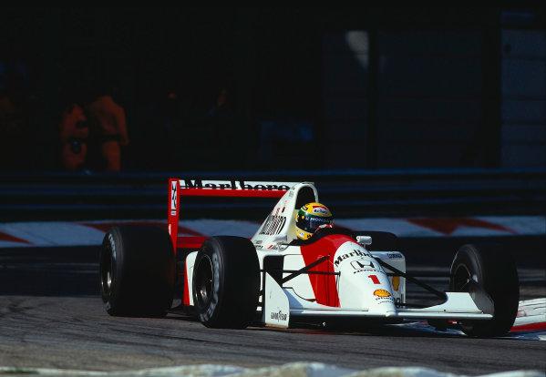 1992 Italian Grand Prix.Monza, Italy.11-13 September 1992.Ayrton Senna (McLaren MP4/7A Honda) 1st position.Ref-92 ITA 12.World Copyright - LAT Photographic