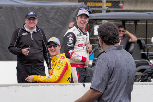 Bob Pockrass tries to report for FOX while being harassed by #2: Brad Keselowski, Team Penske, Ford Mustang Discount Tire and #22: Joey Logano, Team Penske, Ford Mustang Shell Pennzoil