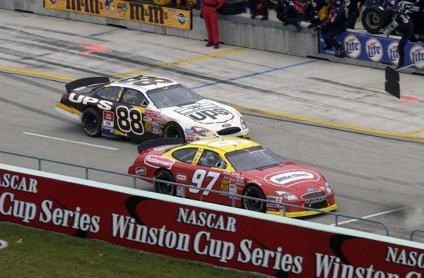 2002 NASCAR Miami, USA November 14-17,2002,Homestead-Miami Motorsports Complex-Kurt busch and Dale Jarrett,-Robt LeSieur2002LAT Photographic