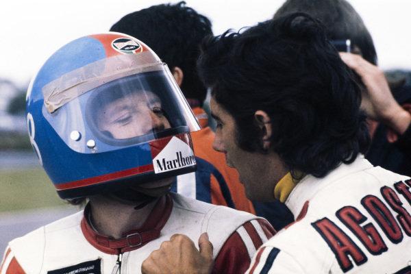 Tepi Länsivuori and Giacomo Agostini have a discussion.