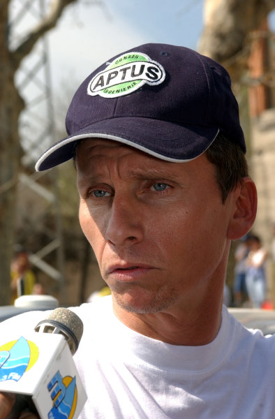2002 World Rally ChampionshipRally Catalunya, 21st-24th March 2002.Gilles Panizzi gives a radio interview after only one of the second day's first 3 stages was run at competitive speeds, due to spectator problems.Photo: Ralph Hardwick/LAT