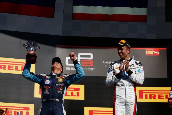 2016 GP3 Series Round 1 Circuit de Catalunya, Barcelona, Spain. Sunday 15 May 2016. Oscar Tunjo (COL, Jenzer Motorsport) & Alexander Albon (THA, ART Grand Prix)  Photo: Sam Bloxham/GP3 Series Media Service. ref: Digital Image _R6T9476