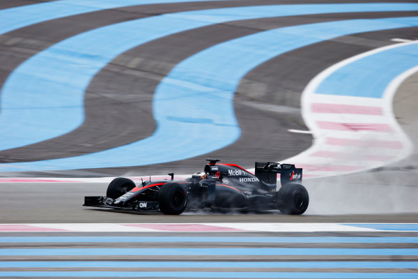 Paul Ricard, France. Tuesday 26 January 2016. Stoffel Vandoorne, McLaren MP4-30 Honda. World Copyright: Steven Tee/LAT Photographic ref: Digital Image _L4R6509