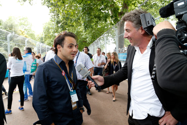 2014/2015 FIA Formula E Championship. London e-Prix, Battersea Park, London, UK. Sunday 28 June 2015. Felipe Massa, Williams F1 driver, talks to the press on the grid.  World Copyright: Adam Warner/LAT Photographic/Formula E. ref: Digital Image _L5R1957