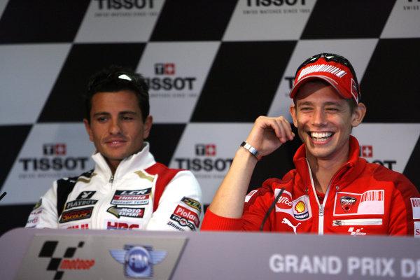 Le Mans, France. 16th - 17th May 2009.Casey Stoner Ducati Marlboro Team with Randy de Puniet LCR Honda at the pre event press conference.World Copyright: Martin Heath/LAT Photographicref: BPI_Moto 898s