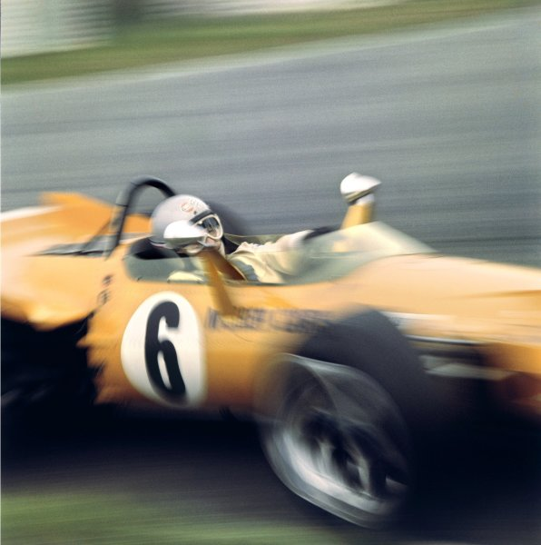 1969 British Grand Prix.Silverstone, Great Britain. 19 July 1969.Bruce McLaren, McLaren M7C-Ford Cosworth, 3rd position.World Copyright - LAT PhotographicRacing Past. . Exhibition ref: a010