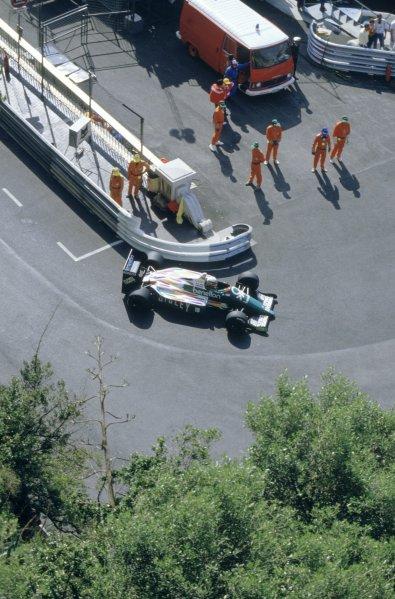 1986 Monaco Grand Prix. Monte Carlo, Monaco. 8th - 11th May 1986. Teo Fabi (Benetton B186-BMW), retired.Ref- 35mm Colour Transparency.World Copyright - LAT Photographic.