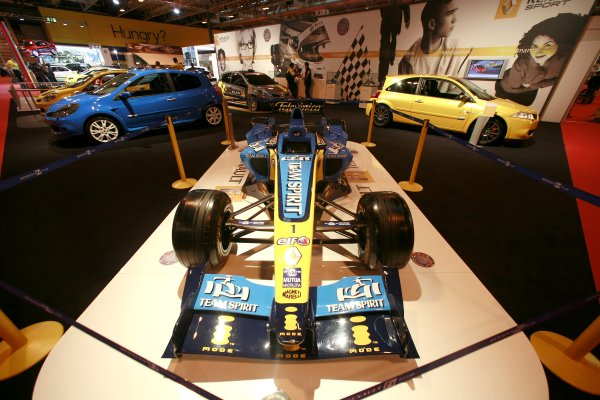 2007 Autosport International ShowNEC, Birmingham. 11th - 14th January 2007.Renault F1 car on the Renault Sport stand.World Copyright: Malcolm Griffiths/LAT Photographicref: Digital Image _MG_5208