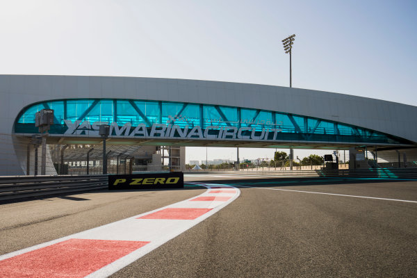 2017 FIA Formula 2 Round 11. Yas Marina Circuit, Abu Dhabi, United Arab Emirates. Thursday 23 November 2017. A view of the circuit. Photo: Zak Mauger/FIA Formula 2. ref: Digital Image _56I8252