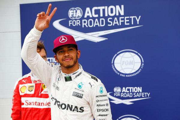 Circuit Gilles Villeneuve, Montreal, Canada. Saturday 11 June 2016. Pole man Lewis Hamilton, Mercedes AMG. World Copyright: Andy Hone/LAT Photographic ref: Digital Image _ONZ0598