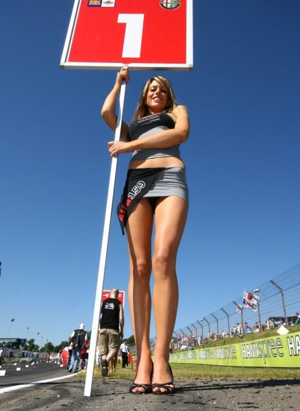 2007 World Superbike Championship. Brands Hatch, England. 3rd - 5th August 2007. Grid girl, glamour. World Copyright: Kevin Wood/LAT Photographic ref: Digital Image