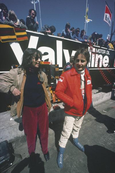Zolder, Belgium. 2 - 4 May 1980. Gilles Villeneuve, Ferrari, with wife Joann in the pit lane. World Copyright: Bill Murenbeeld/LAT Photographic. Ref: 80BEL20