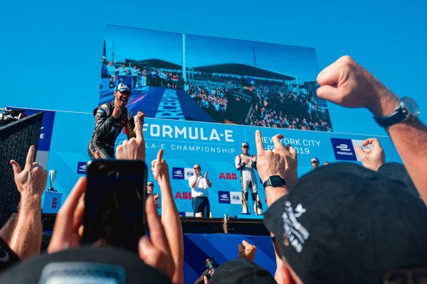 Jean-Eric Vergne (FRA), DS TECHEETAH celebrates winning the championship on the podium