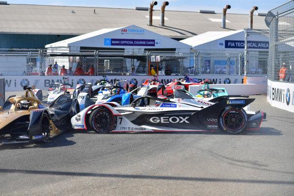 Jose Maria Lopez (ARG), GEOX Dragon Racing, Penske EV-3 spins into Andre Lotterer (DEU), DS TECHEETAH, DS E-Tense FE19