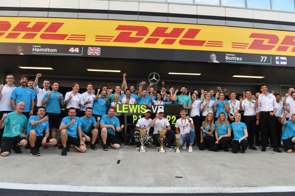 Lewis Hamilton, Mercedes AMG F1 celebrates victory with Valtteri Bottas, Mercedes AMG F1, George Russell, Mercedes AMG F1 and the team