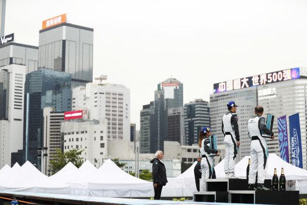 The PRO AM podium: Bandar Alesayi (SAU), Saudi Racing, 2nd position, winner Yaqi Zhang (CHI), Team China, and Célia Martin (FRE), Viessman Jaguar eTROPHY Team Germany, 3rd position