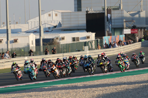 Lorenzo Dalla Porta, Leopard Racing leads start.