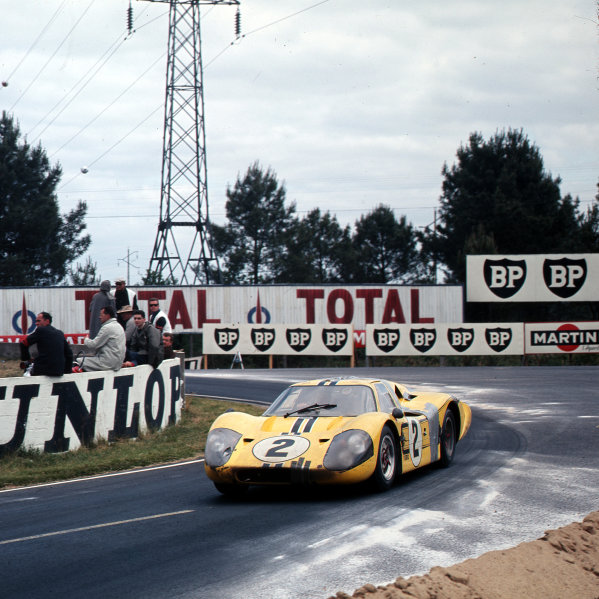 1967 Le Mans 24 hours.Le Mans, France.10-11 June 1967.Bruce McLaren/Mark Donohue (Ford GT40 Mk4), 4th position.Ref-3/2912.World - LAT Photographic