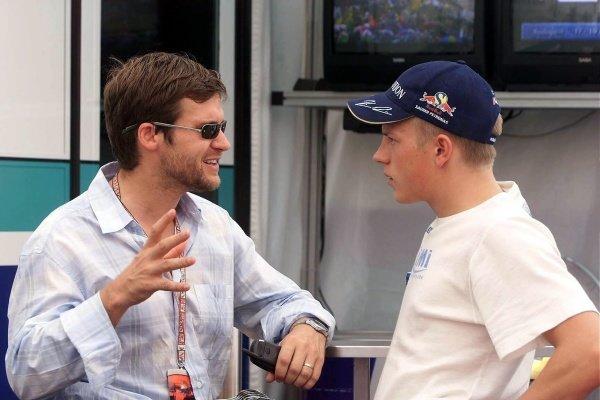 L-R: David Robertson (GBR) Driver Manager, Kimi Raikkonen(FIN) Sauber Petronas C20 Hungarian Grand Prix Qualifying, Hungaroring 18 August 2001 DIGITAL IMAGE