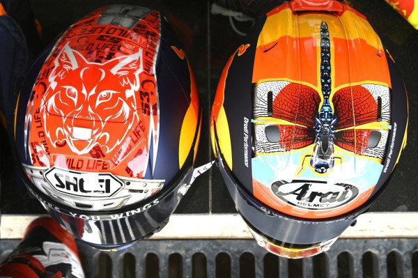 Deniz Oncu, Red Bull KTM Tech 3, Ayumu Sasaki, Red Bull KTM Tech 3, helmets.