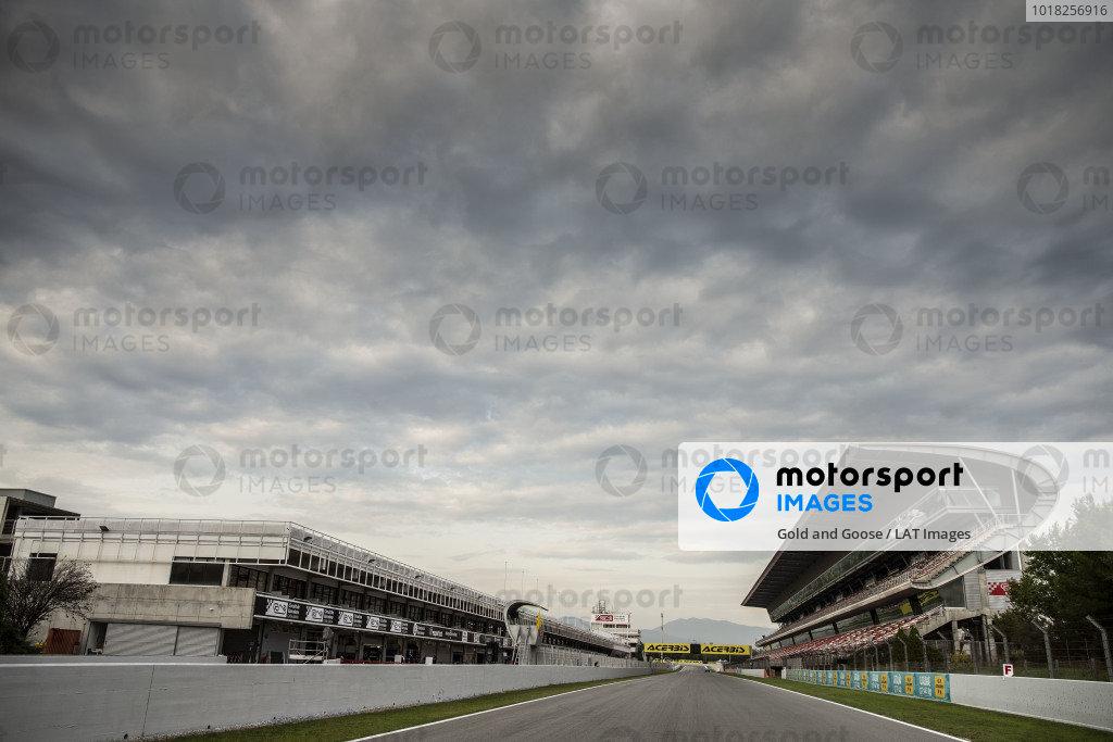 Track, grandstand.