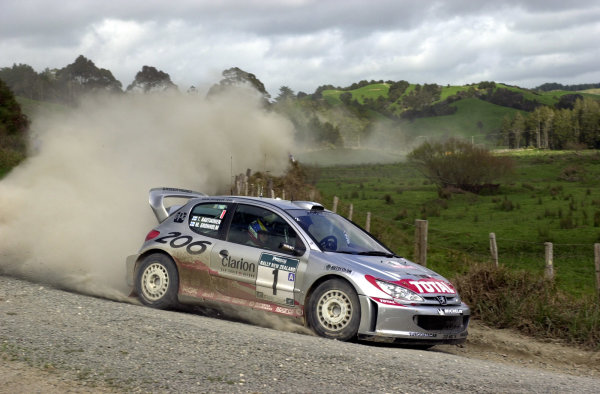 2001 World Rally Championship.Rally of New Zealand. September 20-23, 2001.Auckland, New Zealand.Marcus Gronholm on stage 9.Photo: Ralph Hardwick/LAT