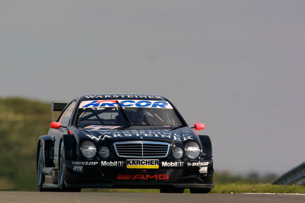 2001 DTM ChampionshipZandvoort, Holland. 22nd - 23rd September 2001.Race winnner, Uwe Alzen (Warsteiner Mercedes-AMG), action.World Copyright: Peter Spinney/LAT Photographicref: 8 5mb Digital Image Only