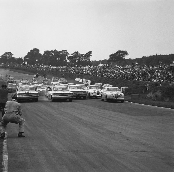 Brands Hatch, England. 5th August 1963. Rd 8.
