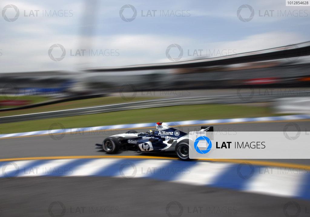 2004 Brazilian Grand Prix - Friday Practice,