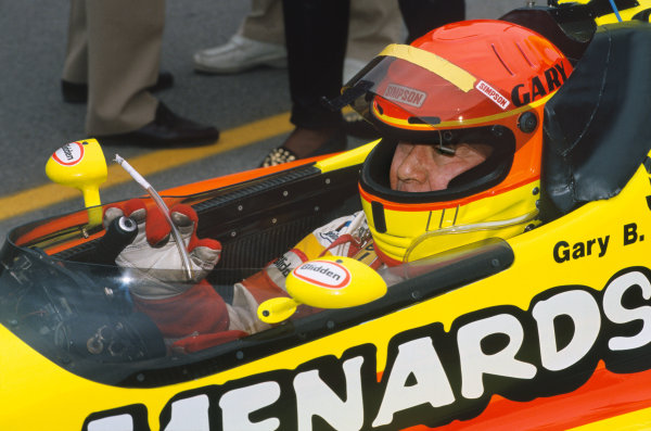 1993 Indianapolis 500. Indianapolis Motor Speedway, Indiana, USA. 30th May 1993. Gary Bettenhausen (Lola T9300-Menard), 17th position, in the pit lane, portrait. World Copyright: LAT Photographic. Ref: 93 INDY 05.