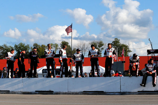 NASCAR XFINITY Series Mid-Ohio Challenge Mid-Ohio Sports Car Course, Lexington, OH USA Saturday 12 August 2017 Sam Hornish Jr, Discount Tire Ford Mustang crew celebrates the win  World Copyright: Russell LaBounty LAT Images