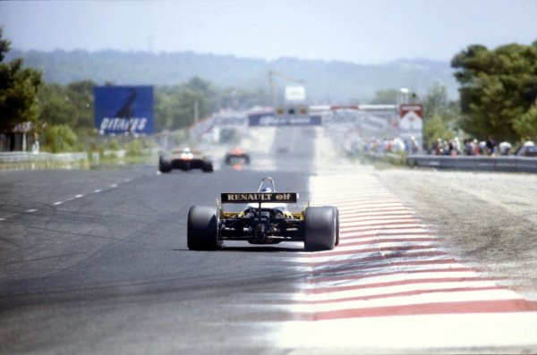 1982 French Grand Prix.Paul Ricard, France. 25 July 1982.Alain Prost, Renault RE30B, 2nd position, on Le Mistral straight, action.World Copyright: LAT Photographic. Ref: 82FRA30