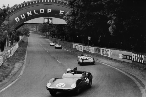 Le Mans, France. 20th - 21st June 1959 Ron Flockhart/Jock Lawrence, (Tojeiro-Jaguar), retired, leads Graham Hill/Derek Jolly, Lotus 15-Climax, retired, Bernard Consten/Paul Armagnac, (DB HBR4-Panhard), 11th position, and Carel Godin de Beaufort/Bino Heins, (Porsche 718RSK,) retired, action World Copyright: LAT PhotographicRef: Autosport b&w print. Published: Autosport, 26/6/1959 p813