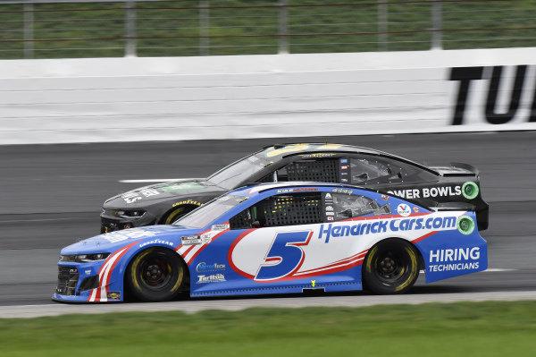 #5: Kyle Larson, Hendrick Motorsports, Chevrolet Camaro HendrickCars.com, #37: Ryan Preece, JTG Daugherty Racing, Chevrolet Camaro Healthy Choice Power Bowls
