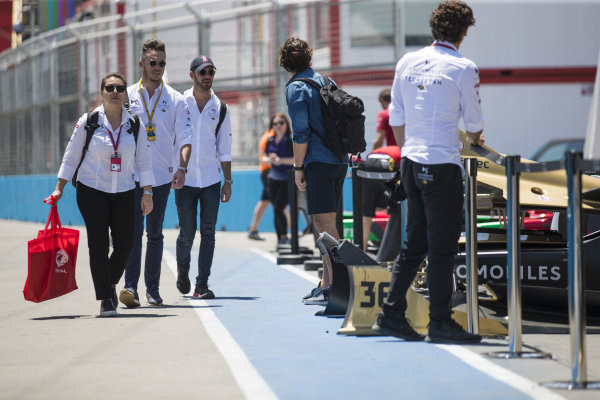 Andre Lotterer (DEU), DS TECHEETAH, and Jean-Eric Vergne (FRA), DS TECHEETAH, arrive in the pits