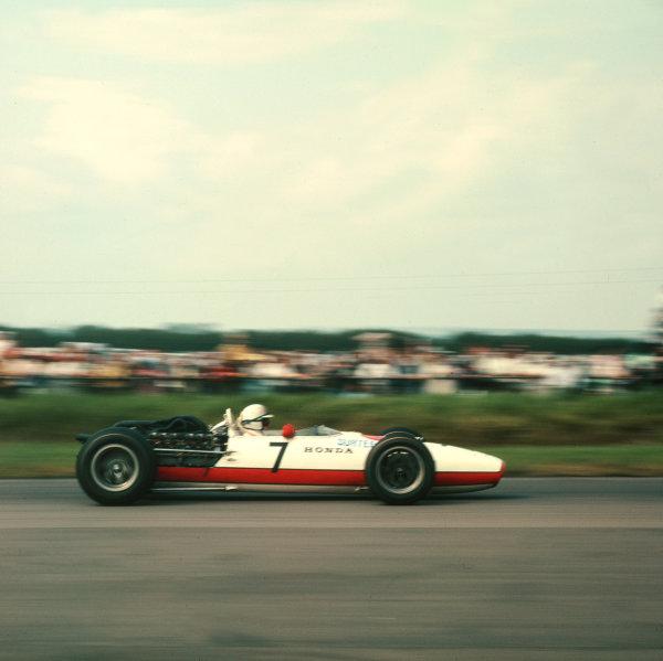 1967 British Grand Prix.Silverstone, England.13-15 July 1967.John Surtees (Honda RA273) 6th position.Ref-3/3072.World Copyright - LAT Photographic