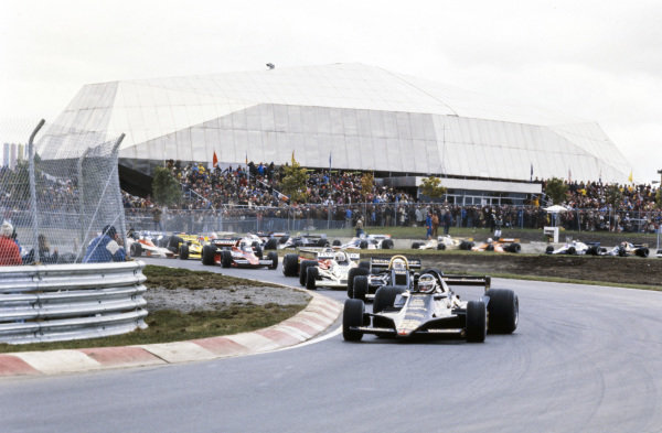 Jean-Pierre Jarier, Lotus 79 Ford leads Jody Scheckter, Wolf WR5 Ford and Alan Jones, Williams FW06 Ford.