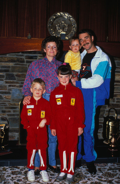Isle of Man, United Kingdon. 18/4/1989. Nigel Mansell poses with his wife Roseanne, and children Greg, Leo and Chloe