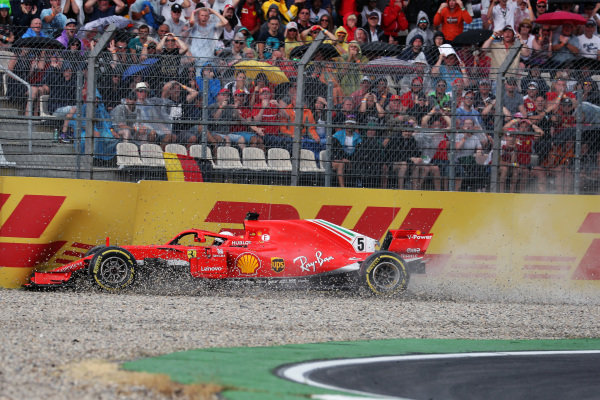 Sebastian Vettel (GER) Ferrari SF-71H crashes out of the race